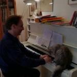 Je joue au piano chez Michelle.